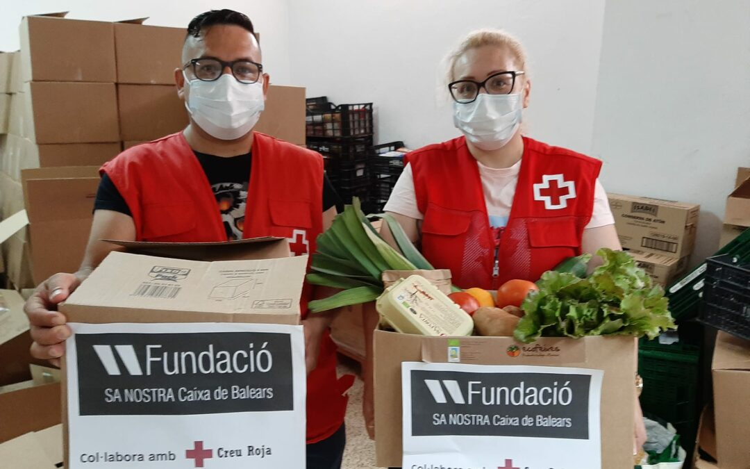 La Fundación Sa Nostra entrega 180 cajas de verduras y hortalizas a Cruz Roja en Ibiza
